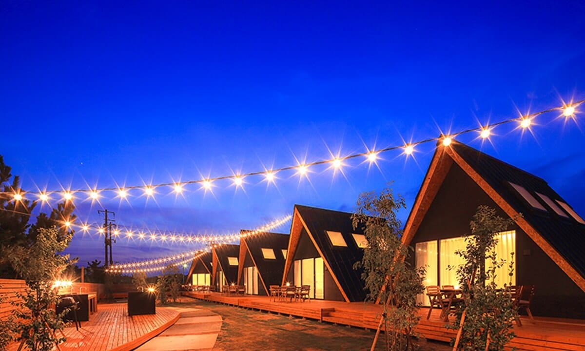 関東のおすすめグランピング施設「TENT一宮グランピングリゾート」の夜景