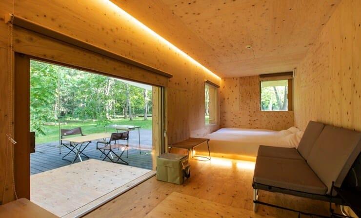 アカイガワ・トモ・プレイパークの客室の内装