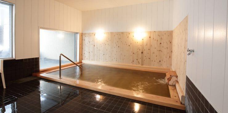 ログ ホテル メープルロッジの温泉浴場