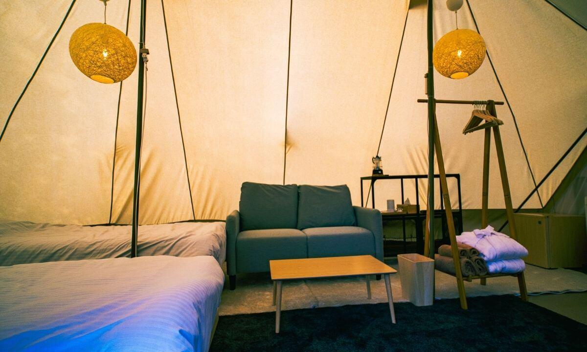 ノーラ名栗のグランピング客室の内装
