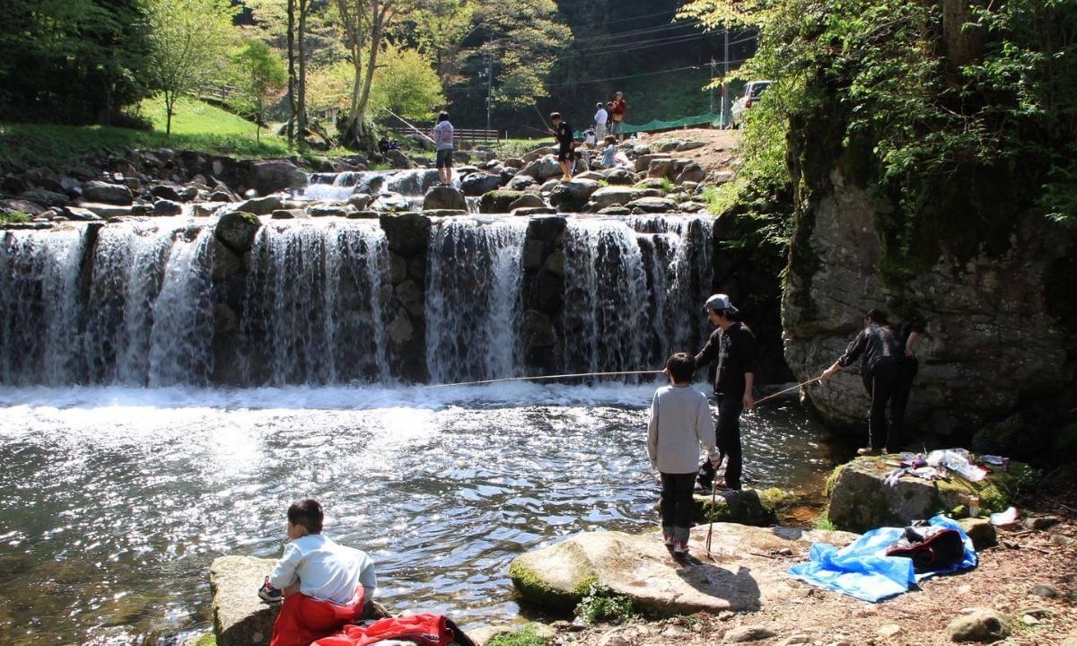 「ザランタン(The Lantown)あば村」で釣りを体験