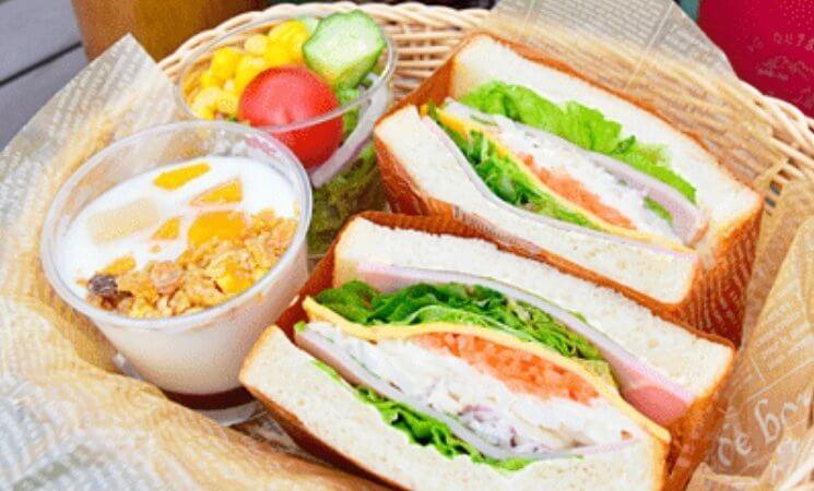 マヒナ・グランピング・スパ・ヴィレッジ 朝食写真